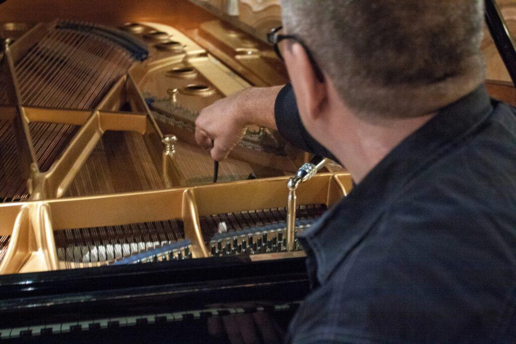 Klavier Stolberg - Stimmung Reparatur Restauration - Piano Berretz