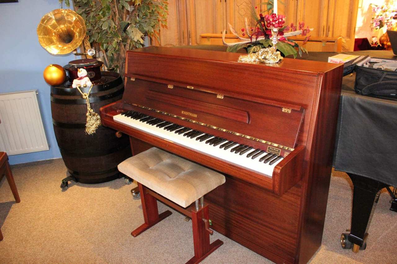 Hoffmann Piano Modell 115 Mahagoni satiniert