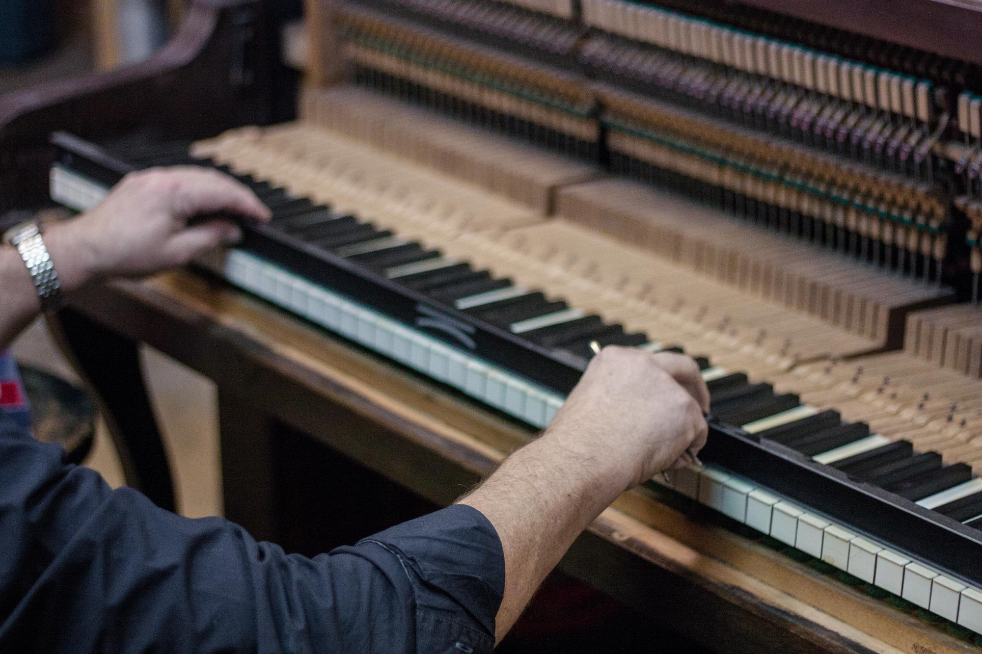 Klavier Reparatur & Restaurierung | Piano Berretz