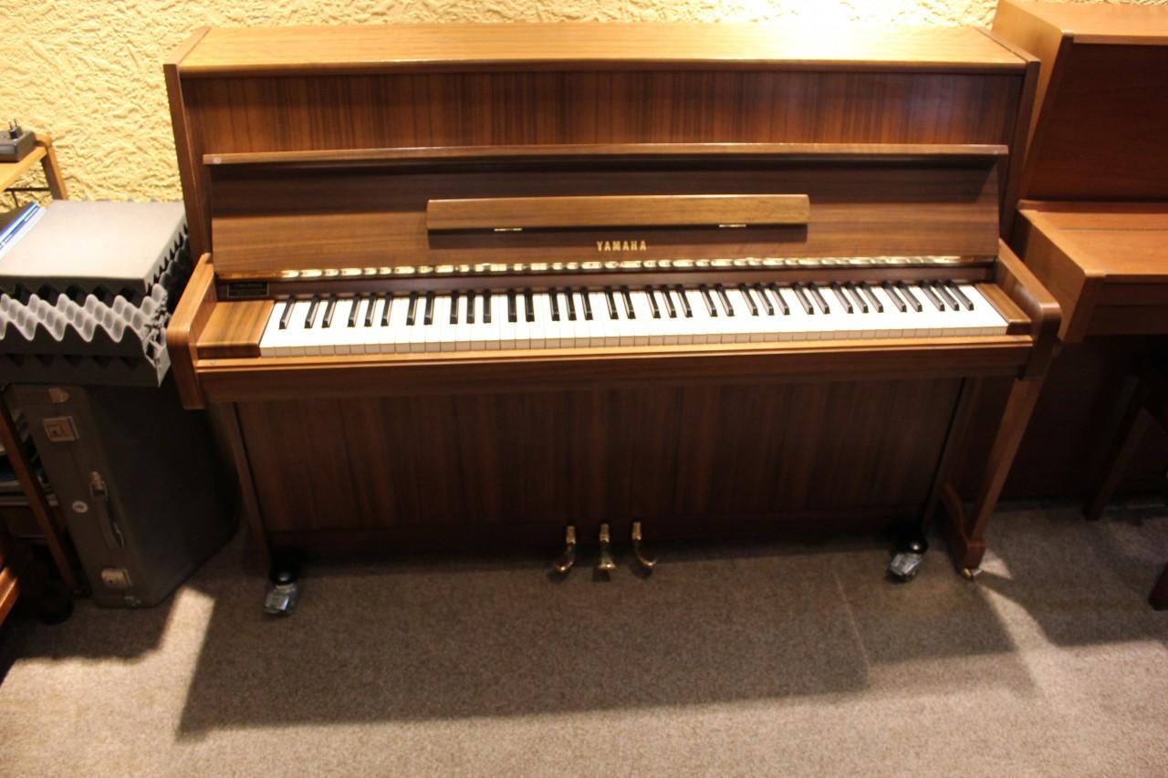 Klaviere pianos fl gel piano berretz for Yamaha m1 piano