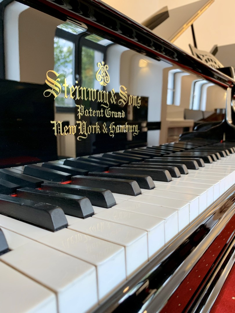 Steinway & Sons A-188 5
