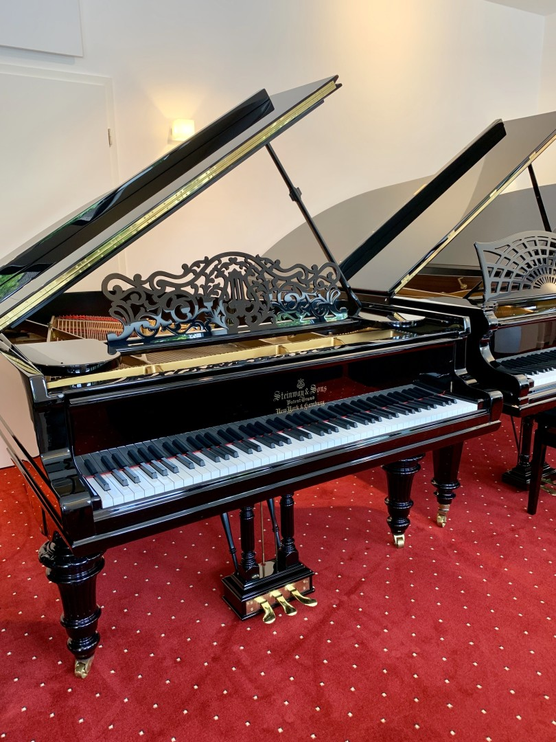 Steinway & Sons A-188 4