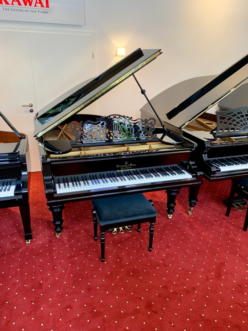 Steinway & Sons A-188 2