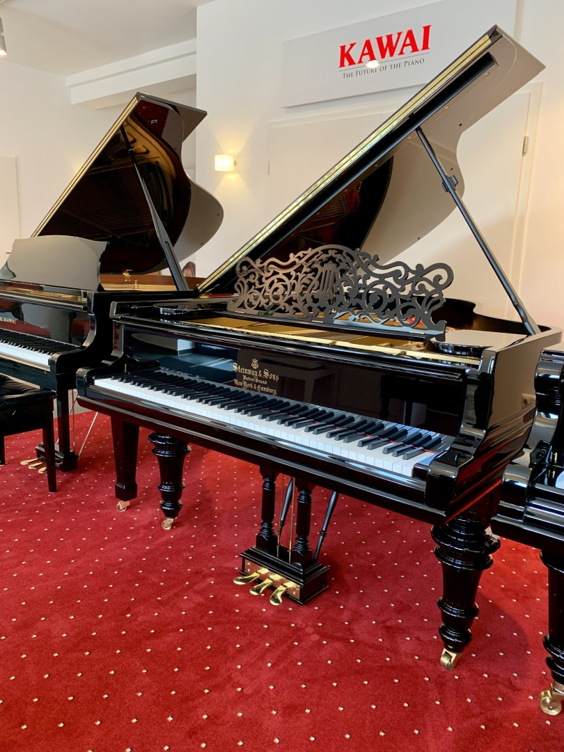 Steinway & Sons A-188 1